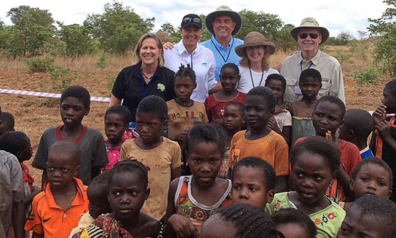 betsy-king-golf-fore-africa.jpg